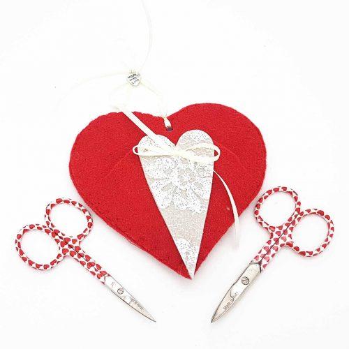 cuore-rosso-porta-forbici-manicure